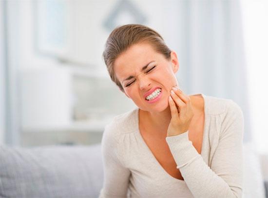 Как снять чувствительность зубов в домашних условиях и оздоровить зубы