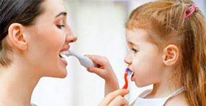 Кислый запах изо рта у детей