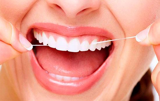 Вощеная и невощеная зубная нить: в чем разница и какая лучше