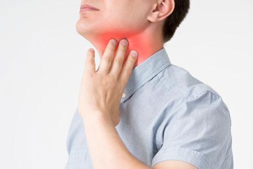 Может ли из-за зуба болеть горло