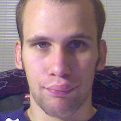 Опухает верхняя губа: причины и что делать