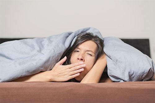 Неприятный запах изо рта по утрам - в чем причины