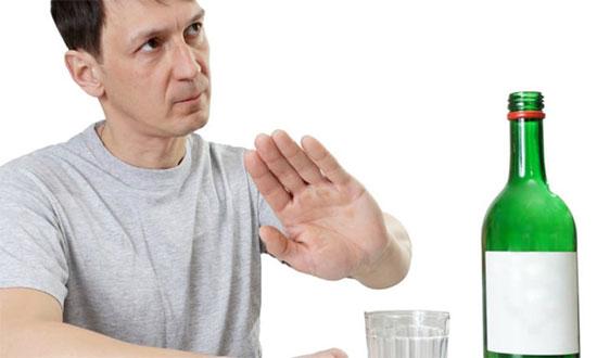 Можно ли употреблять алкоголь после удаления зуба