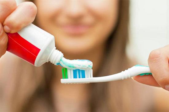 Как воздействуют абразивные зубные пасты на зубы