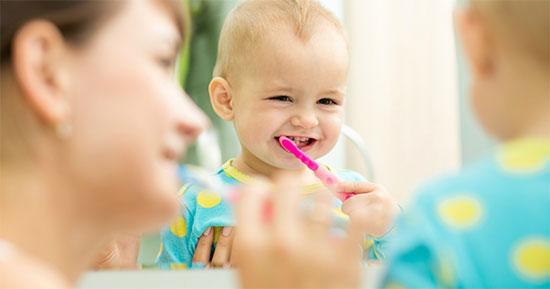 Правила ухода за молочными зубами