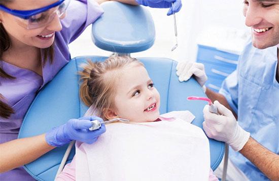 Как лечится налет на зубах у ребенка