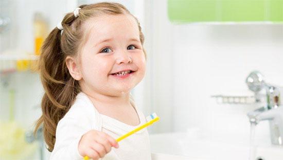 Как избавиться от желтизны детских зубов