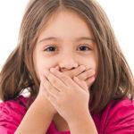 У ребенка неприятно пахнет изо рта — основные причины