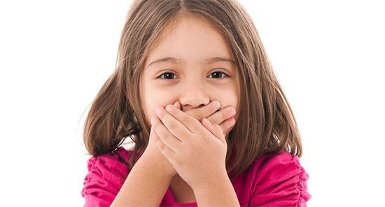 У ребенка неприятно пахнет изо рта - основные причины