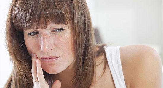 Ожог десны: чем лечить в зависимости от причины