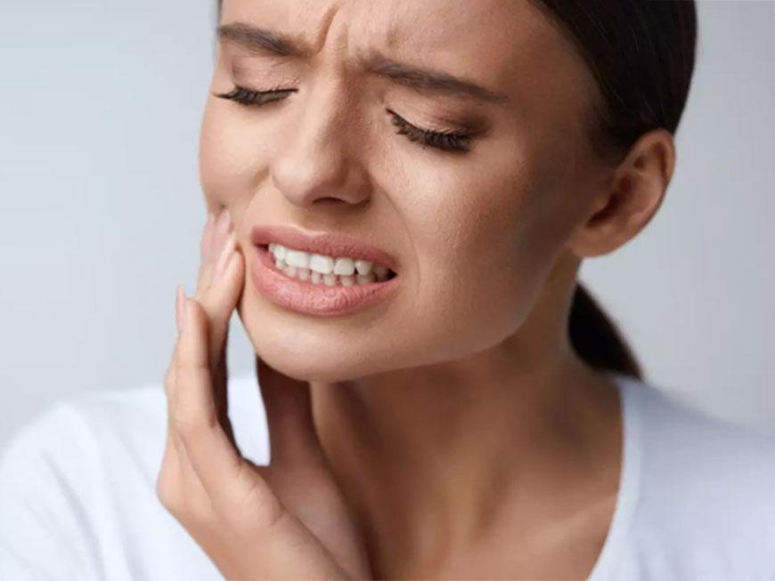 Пульсирующая боль в десне – какие могут быть причины